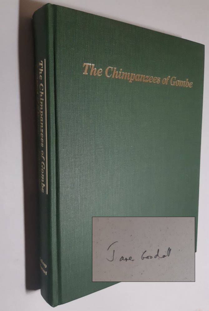 THE CHIMPANZEES OF GOMBE. Jane Goodall